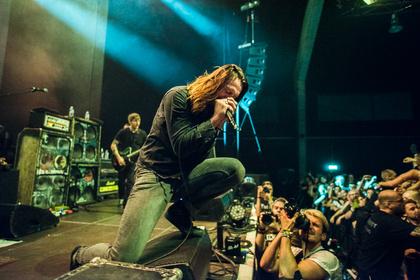Alles andere als einschläfernd - Live-Bilder von While She Sleeps als Support von Architects in Wiesbaden