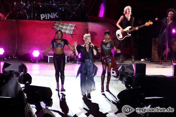 Pop-Gladiatorin - Star zum Anfassen: P!NK rockt die Berliner Waldbühne