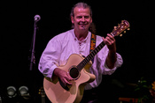 Live-Bilder von Roth Keyfiddle Journey als Opener von Blackmore's Night in Hanau
