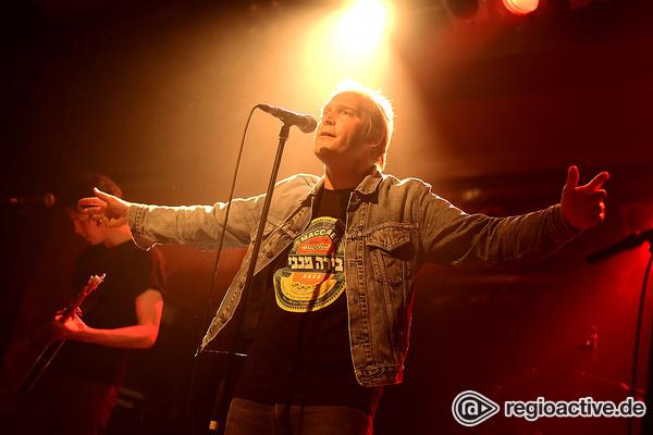 Der singende Autor - Live-Fotos von Thees Uhlmann im Substage in Karlsruhe