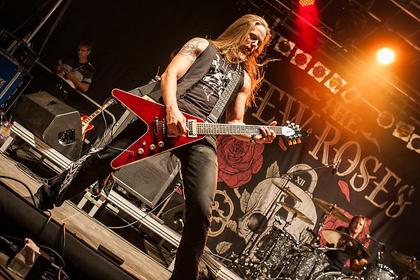 Blumig - The New Roses: Live-Bilder von ihrem Auftritt bei Rock im Hinterland 2017