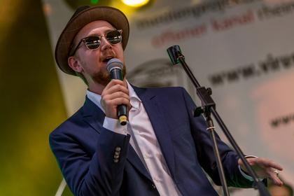 Musik für die Seele - Stilvoll: Live-Bilder von Miles King & The Urban Legends beim Museumsuferfest 2017 in Frankfurt