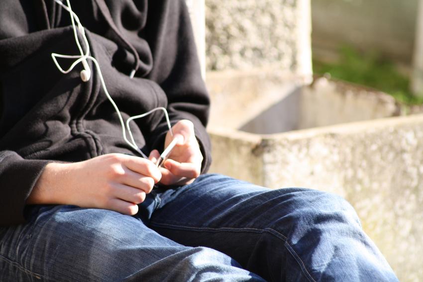 Musikkonsum zwischen 13 und 17, oder: Wie hört die Generation Z Musik?