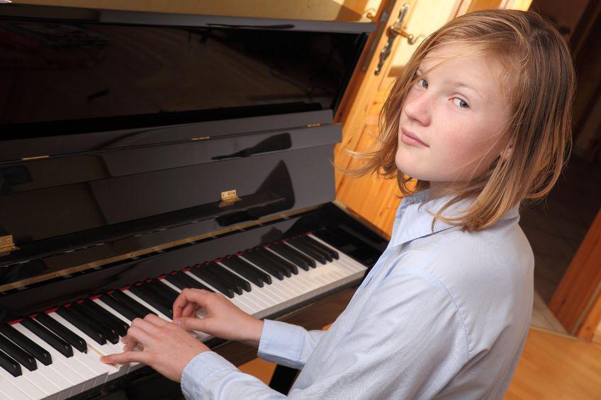 Bildung und Einkommen der Eltern sind entscheidend für die musikalische Aktivität von Jugendlichen