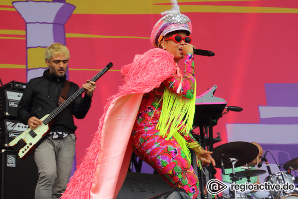 Temperamentvoll - Hispanobeats: Fotos von Bomba Estéreo beim Lollapalooza 2017