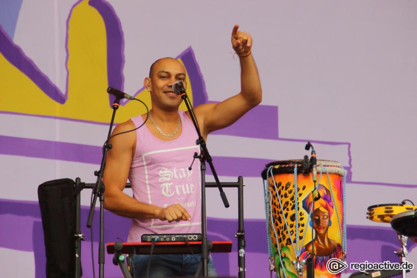 Bomba Estéreo live beim Lollapalooza 2017
