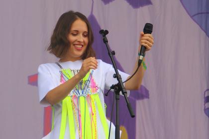 Newcomerin - Lieblich: Bilder von Alice Merton live beim Lollapalooza 2017