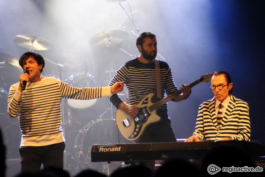 Sparks (live in Berlin, 2017)