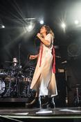 Entwurzelt: Fotos von Alice Merton live beim Reeperbahn Festival 2017