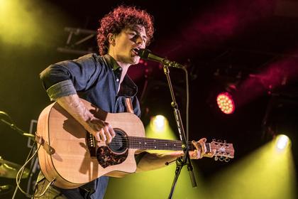 Folk-Pop down under - Stimmstabil: Live-Bilder von Vance Joy beim Reeperbahn Festival 2017