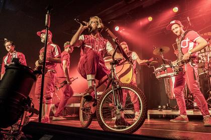 Urban Brass - Moop Mama: Fotos der Bläser-Truppe live beim Reeperbahn Festival 2017
