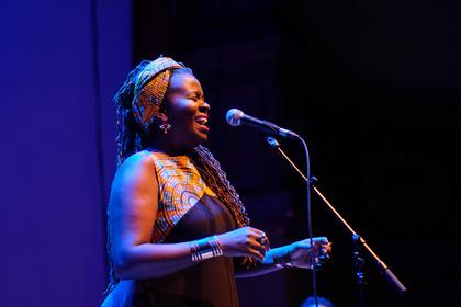 Botschafterin zweier Kulturen - Enjoy Jazz 2017: SOMI lässt Heidelberg beim Eröffnungskonzert erstrahlen