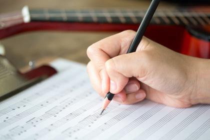Checkliste: Die sechs wichtigsten Punkte, die du zu Musikverlagen wissen musst