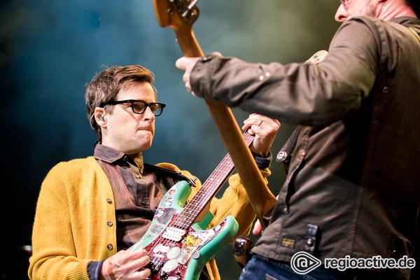 """Zeitreise in die Kindheit - Weezer covern mit Jimmy Fallon """"Take On Me"""" auf Schul-Instrumenten"""