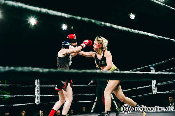 Muay Thai-Königsklasse - Get It On: Fotos von Kemmer vs Pelechova bei der Fight Night 2017 in Mannheim