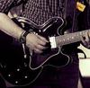nur ein Gitarrist..