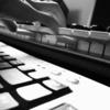 Synthesizerspielerin, Keyboarderin, Texterin sucht Mitmusiker (Producer/in)