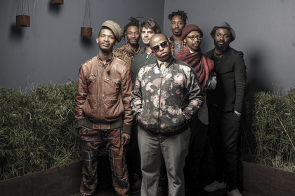 Getanzte Geschichte - Enjoy Jazz 2017: Shabaka and the Ancestors erkunden in Heidelberg rhythmische Traditionen