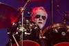 """Aus dem Schneider - Roger Taylor von Queen veröffentlicht Solo-Single """"Gangsters Are Running This World"""""""
