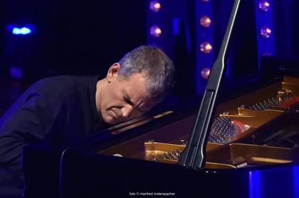 Die Kreativität des Pianisten - Enjoy Jazz 2017: Brad Mehldau erweist sich bei seinem Solokonzert in Heidelberg als Meister der Spannung
