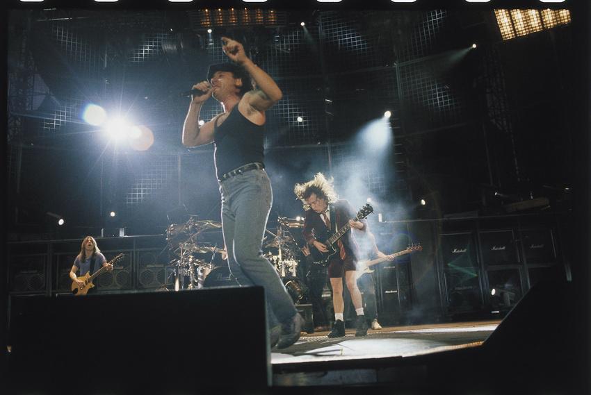 Malcom Young (hinten links) mit AC/DC im Jahr 2003.