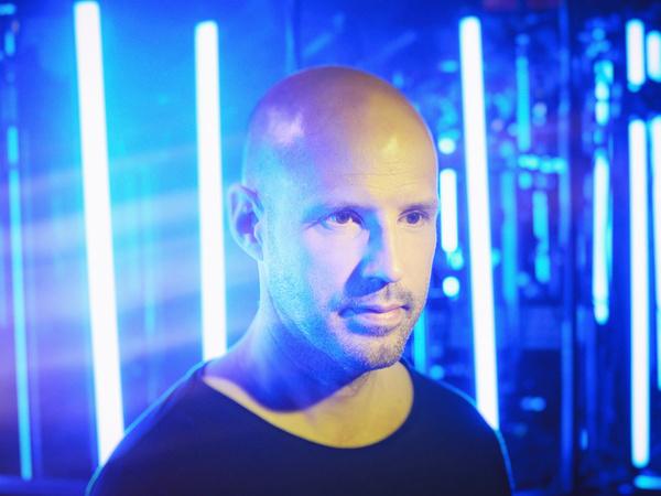 20 Jahre Elektronik pur - Schiller kündigt für 2019 Jubiläumstour durch Deutschlands Arenen an