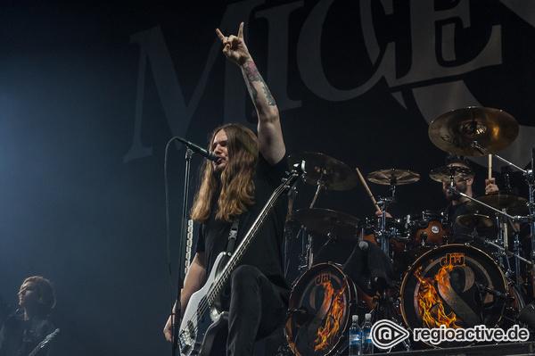 Mäuserichs - Live-Fotos von Of Mice & Men als Support von Five Finger Death Punch in Hamburg