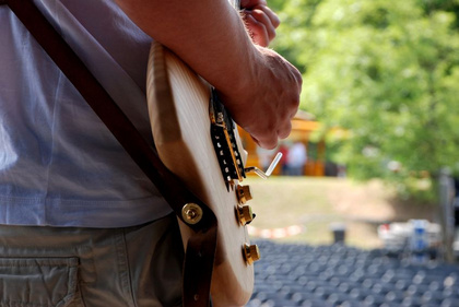 Fünf einfache Tricks, um euren Bandsound auf der Bühne aufzuwerten