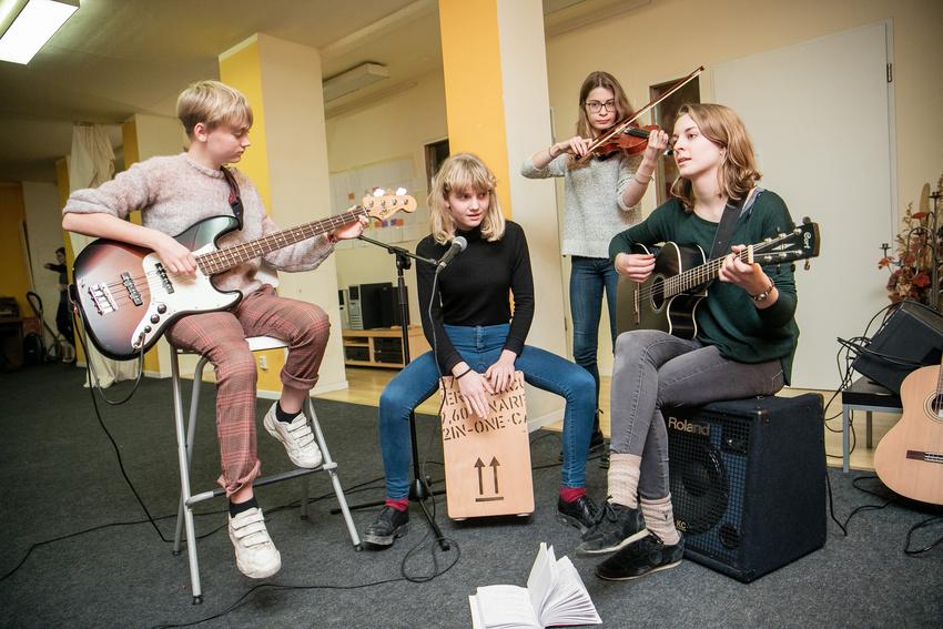 JIM-Studie: Immer mehr Jugendliche musizieren in ihrer Freizeit