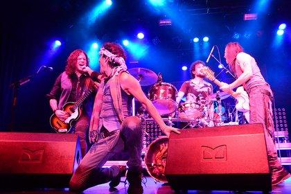 Herrlich altmodisch - Extreme: Live-Fotos der 90er-Rocker in der Batschkapp Frankfurt