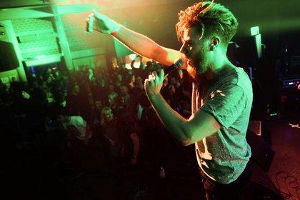 Gemeinsamer Absturz - Fotos von Ikarus live beim Bandsupport-Abschlusskonzert in Mannheim 2017