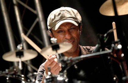 Kompetent, aber eindimensional - Manu Katché versucht sich in der Alten Feuerwache Mannheim an Jazz-Rock