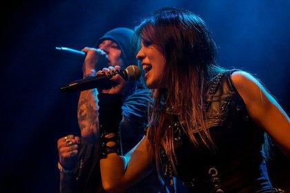 Gesang hoch zwei - Fotos der Melodic Metaller Metaprism live als Support von Iced Earth in Wiesbaden