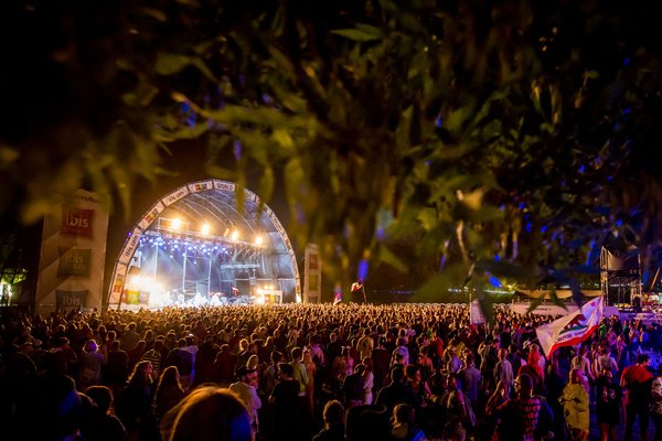 Große Welle - Sziget Festival 2020 kündigt Kings of Leon und Dua Lipa an (Update: abgesagt!)