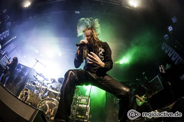 Kraftvoll und authentisch - Fotos von Wintersun als Special Guest von Arch Enemy live in Hamburg