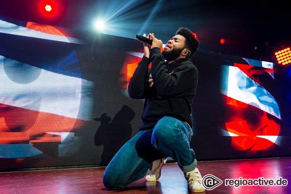 Von null auf hundert - Khalid: Bilder des Sängers live in der Stadthalle Offenbach