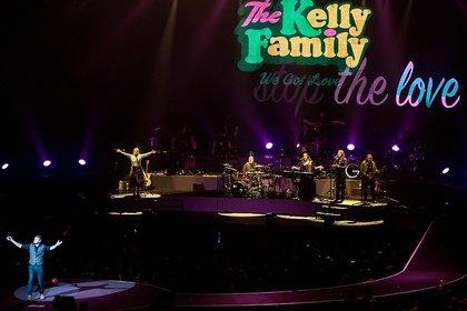 Faszinierende Vielfalt - The Kelly Family feiert in der SAP Arena Mannheim ein rauschendes Familienfest