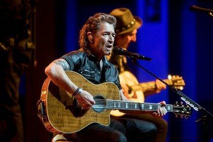 Reduziert - Peter Maffay: Bilder der MTV Unplugged Tour live in der Festhalle Frankfurt