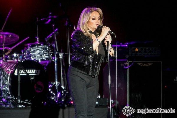 Das Comeback - Rockig: Live-Fotos von Bonnie Tyler live im Rosengarten Mannheim