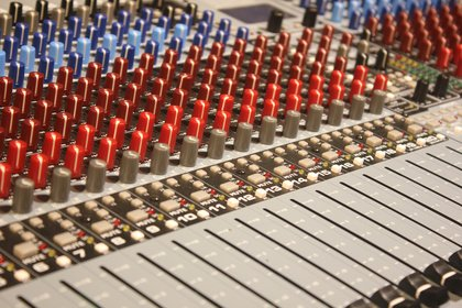 Effektive Studiotipps: Wie euch mit Hilfe von Dynamikbearbeitung druckvollere Tracks gelingen
