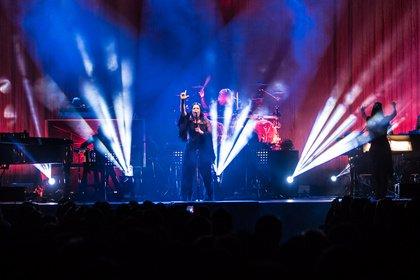 Klassisch kombiniert - Mit Orchester: Fotos von Evanescence live in der Arena Leipzig