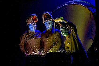 Audiovisuelles Spektakel - Bunt, verrückt, gut: Live-Bilder der Blue Man Group in der Alten Oper Frankfurt
