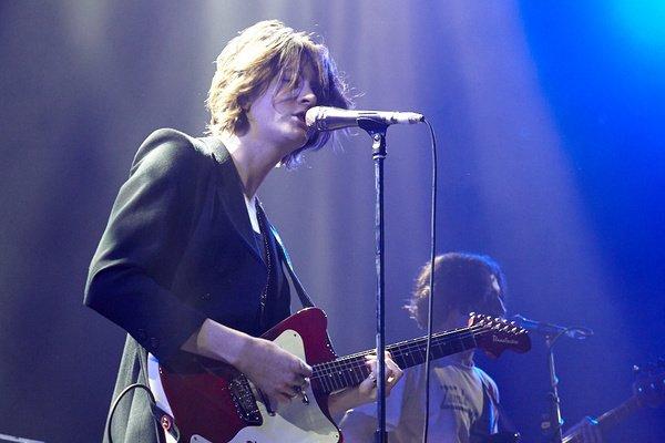 Auch aus Manchester - Live-Bilder von Blossoms als Opener von Noel Gallagher in Wiesbaden