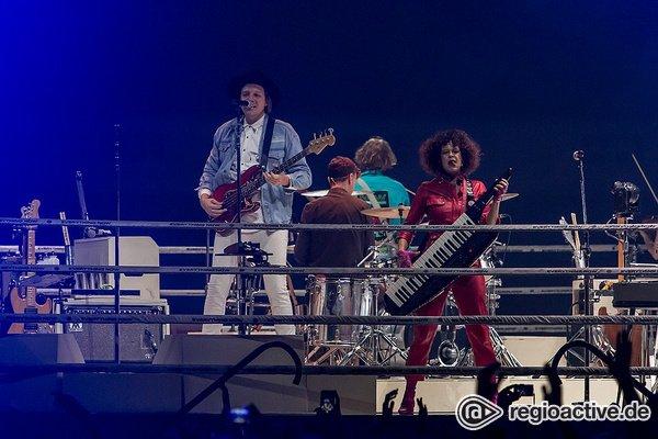 In der Mitte - Ekstatisch: Live-Bilder von Arcade Fire in der Festhalle Frankfurt