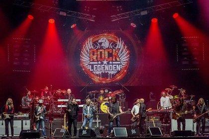 In neuer Besetzung - Fotos der Rock Legenden City, Karat und Maschine live in Frankfurt