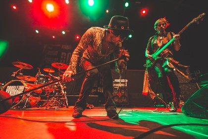 Heavy Bluesrock aus London - Livebilder von Dirty Thrills als Vorband von Skid Row in Wiesbaden