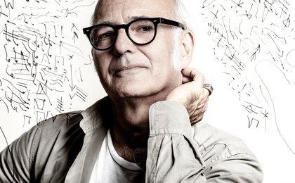 Halbvoll oder halbleer? - Standing Ovations für Ludovico Einaudi in der Mannheimer SAP Arena