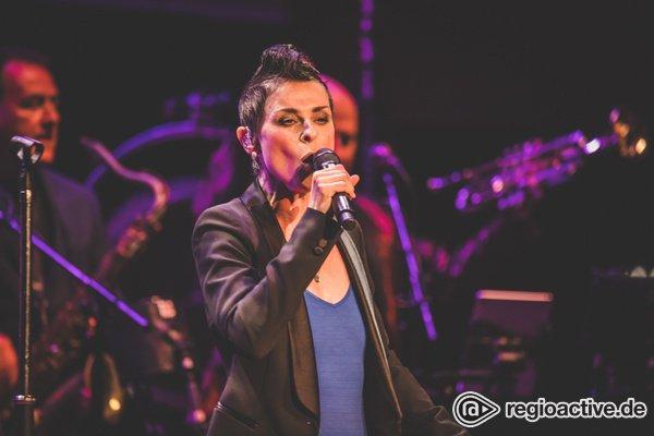 Perfekte Mischung alter und neuer Songs - Lisa Stansfield: begeisternde Pop-Soul-Party beim W-Festival in Frankfurt