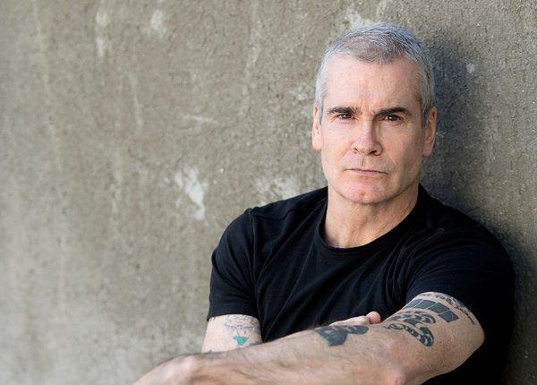 Eindringlich - Henry Rollins geht im Schlachthof Wiesbaden auf zweistündige Weltreise