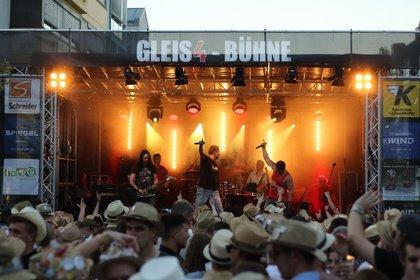 Stroh und Musik - 45 Jahre Strohhutfest Frankenthal - die Gleis4 Bühne feiert mit